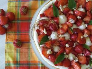 Ma tarte aux fraises - meringue it avec miel confit de fruits rges sans sucre et flan 20.07 (1)