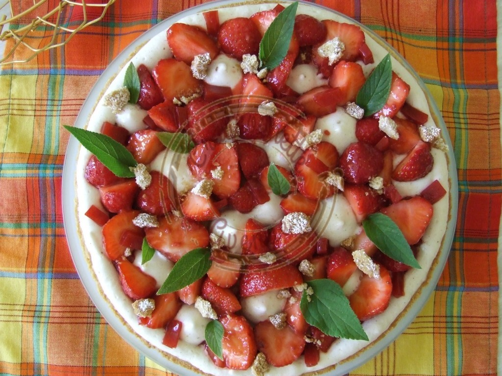 Ma tarte aux fraises - meringue it avec miel confit de fruits rges sans sucre et flan 20.07 (4)