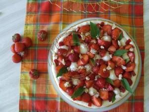 Ma tarte aux fraises - meringue it avec miel confit de fruits rges sans sucre et flan 20.07 (9)