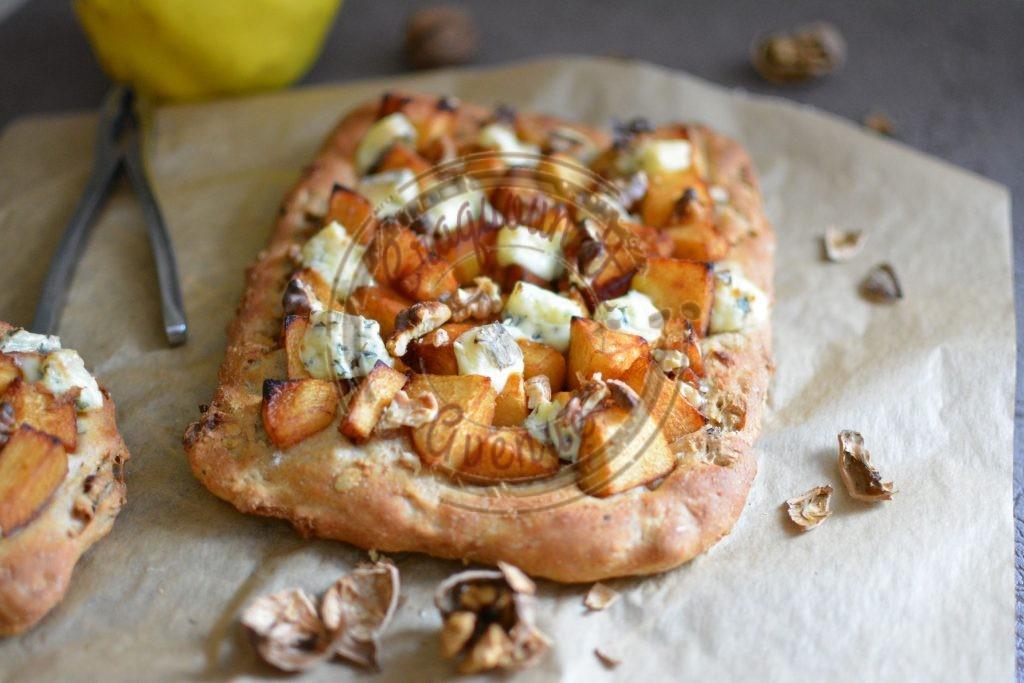 ma-pizza-coingbleu-et-noix-sur-pain-au-muesli-16-11-1