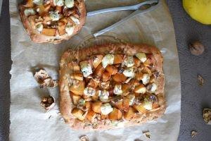 ma-pizza-coingbleu-et-noix-sur-pain-au-muesli-16-11-2